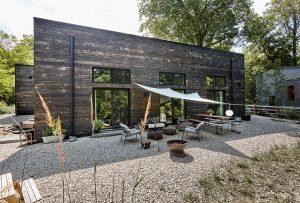 Space Barn Residence